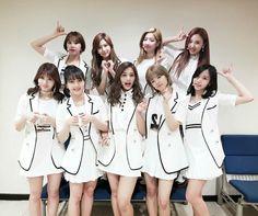 Sana, momo, mina, chaeyoung, dahyun, tzuyu, jihyo, jeongyeon y nayeon | TWICE