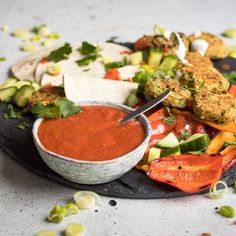 Falafel Wraps w/ Best Salsa Ever. Homemade Vegan Falafel Wraps with the best salsa ever! Just a few fresh ingredients make a healthy & delicious dish. Falafel Wrap, Wrap Recipes, Vegan Recipes, Cooking Recipes, Lunch Recipes, Aioli, Pea And Mint Soup, How To Make Falafel, Appetizers