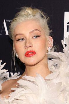 Top 40 Most Beautiful Hair Looks of Christina Aguilera – Celebrities Female Blonde Hair Looks, Blonde Curls, Medium Curls, Medium Hair Cuts, Wavy Haircuts, Stylish Hair, Christina Aguilera, Girl Crushes, Down Hairstyles