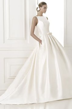2015 Concise Bateau Wedding Dresses A Line/Princess Court Train Satin With Ribbon