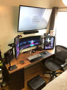 Did some more cable management and added a usb volume control knob. Best Gaming Setup, Gaming Room Setup, Pc Setup, Desk Setup, Computer Gaming Room, Computer Setup, Gaming Rooms, Home Office Setup, Home Office Design