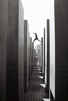 Berlin, Holocaust memorial, buildings get higher as you walk deeper in Berlin City, Berlin Wall, Berlin Berlin, Places To Travel, Places To See, Budapest, Berlin Photos, Jewish Museum, Holocaust Memorial