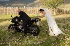 Unique wedding photos. Let's get going photographed by Monica Le Roux