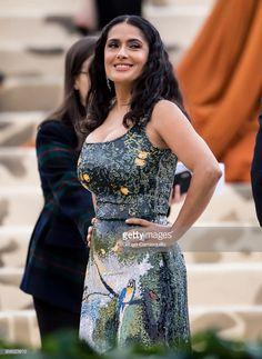 News Photo : Actress Salma Hayek Pinault is seen arriving to. Salma Hayek Young, Salma Hayek Body, Salma Hayek Pictures, Selma Hayek, Smart Outfit, Latin Women, Costume Institute, Brunette Beauty, Hollywood