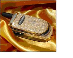 10 Most Expensive Mobiles In The World Slide 1 Flip Phones, New Phones, Mobile Phones, Monster High, Mobiles, Old Phone, Most Expensive, Samsung Galaxy S3, Carat Gold