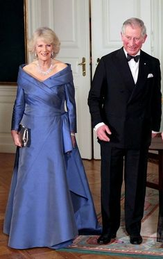Camilla Parker Bowles Photos - Charles, Prince of Wales and Camilla Duchess of Cornwall hold court with Queen Margrethe II of Denmark and Henrik, Prince Consort of Denmark at Amalienborg Palace. - Charles and Camilla visit the Queen of Denmark Camilla Duchess Of Cornwall, Gala Gowns, Royal Uk, Queen Margrethe Ii, Camilla Parker Bowles, Prince Charles And Camilla, Princess Beatrice, Royal Prince, Advanced Style