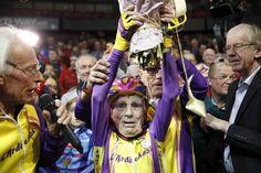 Francés de 105 años establece récord mundial en ciclismo - http://www.notimundo.com.mx/deportes/frances-establece-record-ciclismo/