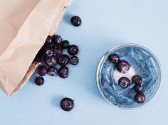DIY-Anleitung: Körperpeeling mit Blaubeeren und Kokosöl herstellen via DaWanda.com