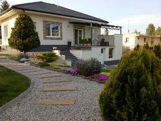 Linear 324 - Kolekcie | Modrastrecha.sk Flat Roof House, Sidewalk, Walkways, Pavement, Curb Appeal