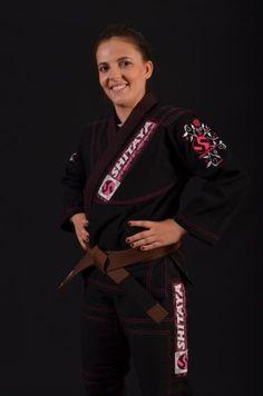 Kimono JJ FIGHT GIRL preto - Produtos Compre aqui: http://contato.ms/6Fw  Shitaya Bjj JiuJitsu ShitayaKimonos kimonosShitaya Kimonos brazilian jiu jitsu motivação motivation girls mulheres tatame