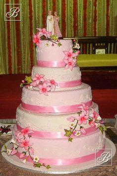 Warren's Cakes 5-tier wedding cake