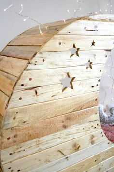 Moon Cradle Made Out of Wooden Pallets Bedroom Pallet Projects Kids Projects With Pallets
