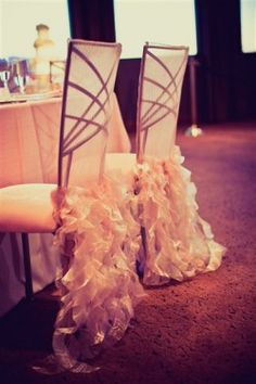 love the chairs #weddings