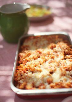 Pasta con salsa de verduras y tomate