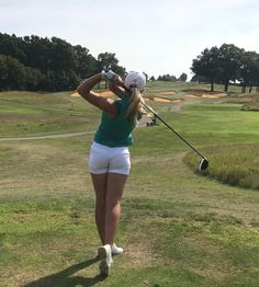 Golf for the beginner. Trying to play far better golf. golf clubs for sale. Sexy Golf, Golf Attire, Golf Outfit, Girls Golf, Ladies Golf, Golf Drivers, Golf Lessons, Golf Fashion, Ladies Fashion