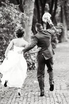 Love this! Photo by Mariah. #WeddingPhotographersMN #WeddingPhotos
