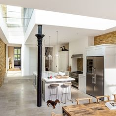 It was wonderful to see our Wandsworth Common project on 'Old House, New Home', last week on Thank you for featuring our kitchen as part of the inspiration for your project. Shaker Kitchen, New Kitchen, Kitchen Ideas, House Extension Design, House Design, Kitchen Diner Extension, Open Plan Kitchen Living Room, Interior Design Kitchen, Modern Interior