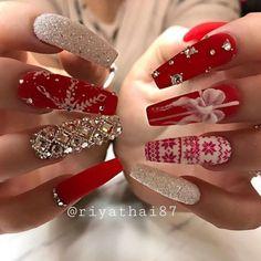 Chistmas Nails, Cute Christmas Nails, Xmas Nails, Christmas Nail Art Designs, Holiday Nails, Halloween Nails, Christmas Acrylic Nails, Christmas Design, Christmas Gifts