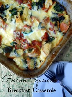 Bacon Spinach Breakfast Casserole: Bake mins at 350 deg. slices (about thick) French bread butter 6 slices bacon 1 medium onion, diced 5 ounces fresh spinach 6 eggs cups milk cups sharp white cheddar salt & pepper to taste Breakfast And Brunch, Breakfast Items, Breakfast Dishes, Breakfast Recipes, Morning Breakfast, Bacon Breakfast, Breakfast Spinach, Brunch Dishes, Think Food