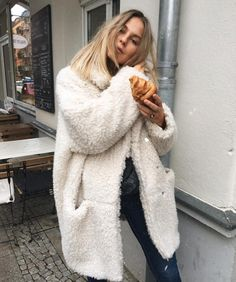 "ALESSA W. on Instagram  ""Werbung da Markennennung   Being one tired fluffy  ball today🐵  goodmorning"" c904696d91"