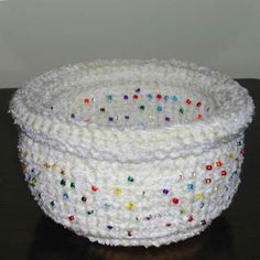 recycled CD rolled-edge basket... Free pattern!