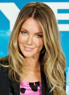 Jennifer Hawkins hair colour