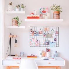 Creating your home office space means finding a balance between decorating with fun decor and furniture pieces and also keeping it professional so it actually Army Room Decor, Study Room Decor, Cute Room Decor, Hipster Room Decor, Room Design Bedroom, Room Ideas Bedroom, Home Room Design, Otaku Room, Home Office Decor