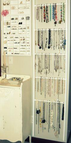 Jewerly organizer diy wall necklace organization drawer pulls 43 New Ideas Necklace Storage, Necklace Holder, Jewellery Storage, Jewellery Display, Jewellery Stand, Diy Jewelry Wall Display, Scarf Storage, Jewellery Boxes, Jewelry Box