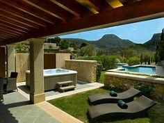 GRAN HOTEL SON NET  I  MALORKA:  Vychutnajte si 30 metrov dlhý bazén so súkromnými kabínkami. Beauty Lounge - kozmetické procedúry vykonávané odbornými pracovníkmi. Plne vybavená posilňovňa. Domček na strome pre zvláštne príležitosti a romantické večere. Poníky, oslíky a ovečky v záhrade potešia všetkých, najmä tých najmenších hostí. http://www.holamallorca.net/ubytovanie-mallorca/gran-hotel-son-net