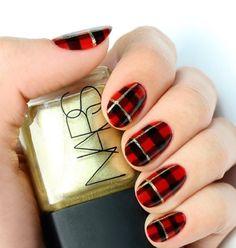 Traditional Tartan - 10 Plaid Nail Art Designs Perfect for PSL Selfies via Brit + Co.