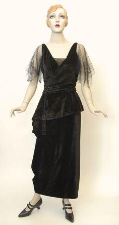 FC0373 Dress, velvet, net, asymmetrically draped skirt, Steinberg's St. Louis, c. 1919 20s Dresses, Evening Dresses, Formal Dresses, 1900s Fashion, Vintage Fashion, Edwardian Costumes, Draped Skirt, Historical Costume, Fashion History