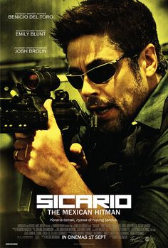 """Character Posters for Denis Villeneuve's """"SICARIO"""" with Emily Blunt, Benicio Del Toro & Josh Brolin Film Movie, Hd Movies, Movies And Tv Shows, Action Movies, Emily Blunt, Serie True Detective, Image Internet, Denis Villeneuve, The Blues Brothers"""