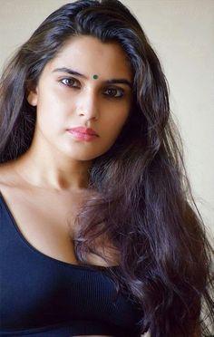 Beautiful Girl Indian, Most Beautiful Indian Actress, Beautiful Girl Image, Beautiful Women, Beauty Full Girl, Cute Beauty, Beauty Women, Beautiful Bollywood Actress, Beautiful Actresses