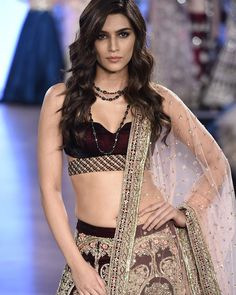 Kriti sanon erotic cleavage queen Bollywood and tollywood with her curvy body show. Hot and sexy Indian actress very sensuous cute beautifu. Indian Bollywood Actress, Indian Actress Hot Pics, Bollywood Girls, Beautiful Bollywood Actress, Most Beautiful Indian Actress, Bollywood Fashion, Bollywood Bikini, Indian Celebrities, Bollywood Celebrities