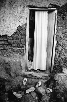 Andrew Tshabangu African Artists, Surrealism, Black And White, Photography, Fotografia, Modern Art, Black White, Fotografie, Photograph