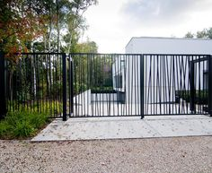 8 All Time Best Ideas: Modern Fence Cement mesh pool fence.Two Tone Vinyl Fence white fence entrance. Front Yard Fence, Farm Fence, Fence Art, Pool Fence, Backyard Fences, Garden Fencing, Horse Fence, Backyard Privacy, Pallet Fence