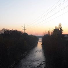 Scende la sera lungo il fiume... 🌅  ______________ #movingculturebrescia #atlantediviaggio #fiumemella #brescia #bresciacity #bresciafoto #endof2016 #beautiful #amazing #sunset #sunset_hub #sunsetlovers #river #winter #igersbrescia #visitbrescia #ig_brescia #igerslombardia #igersitalia #picoftheday #instagood #leica #leicaimages #leicaphoto #leicalens #leicalover