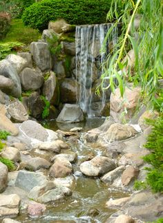 Gorgeous.  Waterfall cascade perfect for a big yard.