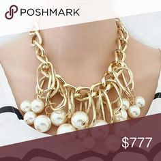 💋LAST ONE💋Fabulous Pearls n' Chains necklace. Brand new Boutique item. 👍Price is firm👍  Fabulous faux pearls on edgy gold toned metal chain. Pair with any outfit for a chic look!   Pattern of beads varies per necklace Jewelry Necklaces