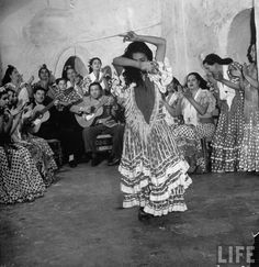 The Cave-Dwelling Flamenco Dancers of Andalucia