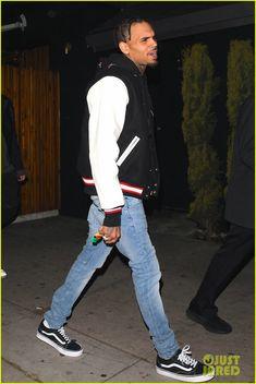 Choosing The Right Men's Leather Jackets – Revival Clothing Chris Brown Outfits, Chris Brown Style, Breezy Chris Brown, Tween Boy Fashion, Chris Brown Wallpaper, Urban Fashion, Mens Fashion, Street Fashion, Chirs Brown