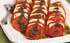 Epicure Mozzarella and Tomato Antipasti Epicure Recipes, Tapas Recipes, Appetizer Recipes, Cooking Recipes, Sauce Pesto, Pesto Recipe, Tapas Menu, Gluten Free Menu, Vegetarian Menu