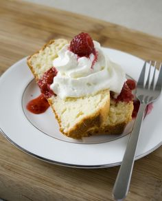 Inside Brucrew Life: Raspberry Cheesecake Chocolate Cupcakes