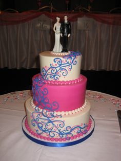 cake created by Yummy's Gourmet Cakes in Coralville, Iowa yummysgourmetcakes.com