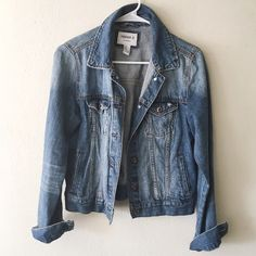 Forever 21 denim jacket Forever 21 denim jacket, size medium. Brand new condition. This fits super cute, and the denim is durable. Forever 21 Jackets & Coats Jean Jackets