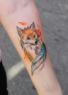 ▷ 1001 + beautiful and original animal tattoo ideas - fox tattoo in colors, more than 90 ideas of animal tattoos, tattoos in watercolor paint, beautiful - Wolf Tattoos, Animal Tattoos, Sexy Tattoos, Body Art Tattoos, Tattoo Drawings, Hand Tattoos, Tatoos, Small Tattoos, Small Fox Tattoo