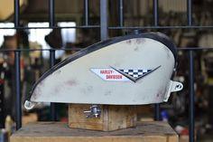 SHALLOW BLOG: スポーツスタータンク Genuine design Custom Paint Motorcycle, Custom Paint Jobs, Tanks, Harley Davidson, Chrome, Garage, Painting, Design, Autos