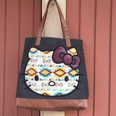 Hello kitty shoulder bag This is beautiful and bottom little little cant see be bottom unnoticed . Hello Kitty Bags Shoulder Bags