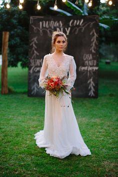 Vestido de noiva boho manga longa #juliapak #casamentoamericano #noivasemny #bouquetpermanente