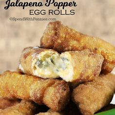These Mini Jalapeno Popper Egg Rolls are the perfect snack! If you love Jalapeno Poppers, you'll love these. Finger Food Appetizers, Appetizers For Party, Appetizer Recipes, Italian Appetizers, Parties Food, Poulet Hasselback, Egg Roll Recipes, Cheese Recipes, Pepperoni Recipes